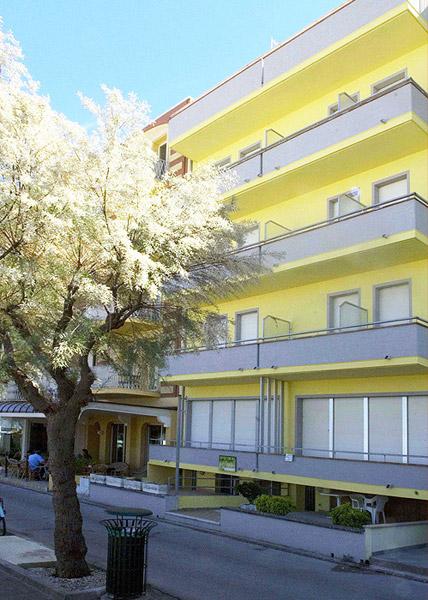 Appartamenti leonardi gabicce mare for Appartamenti gabicce mare
