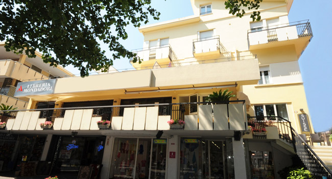 Residence suisse cattolica - Residence cattolica con piscina ...