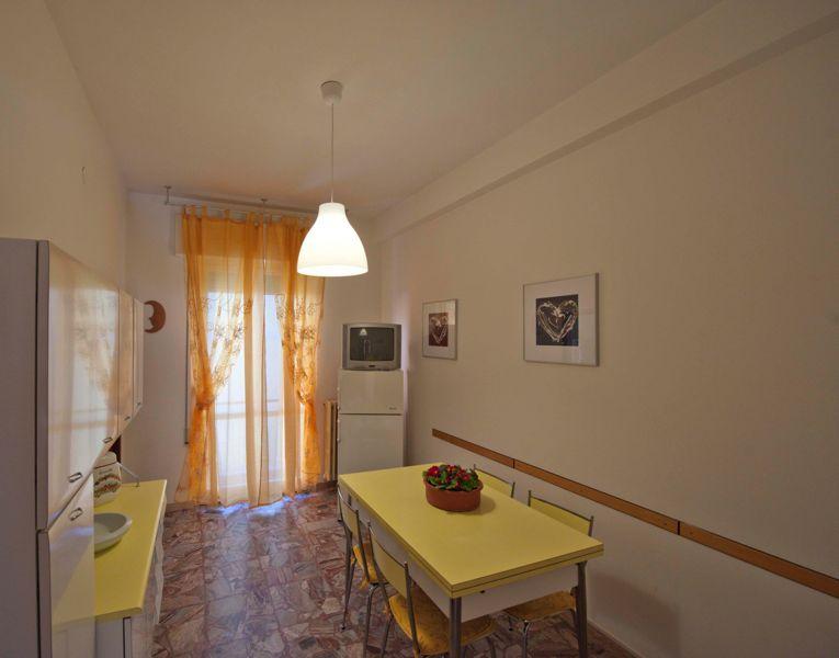 Appartamenti casa ombrina gabicce mare for Appartamenti gabicce mare
