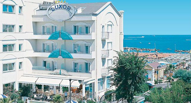 Afbeeldingsresultaat voor luxor beach hotel cattolica